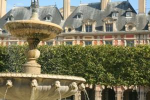 Place des Vosges Paris fountain